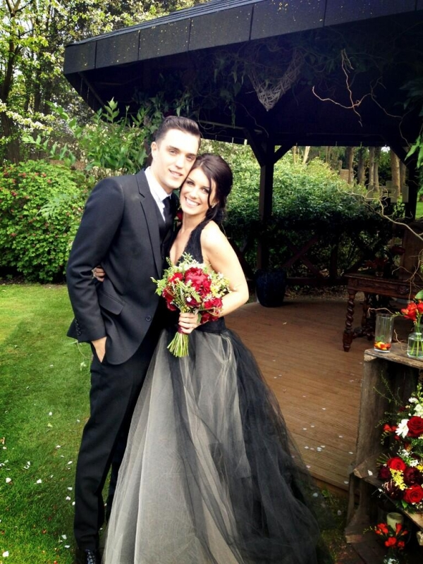 shenae grimes black wedding gown