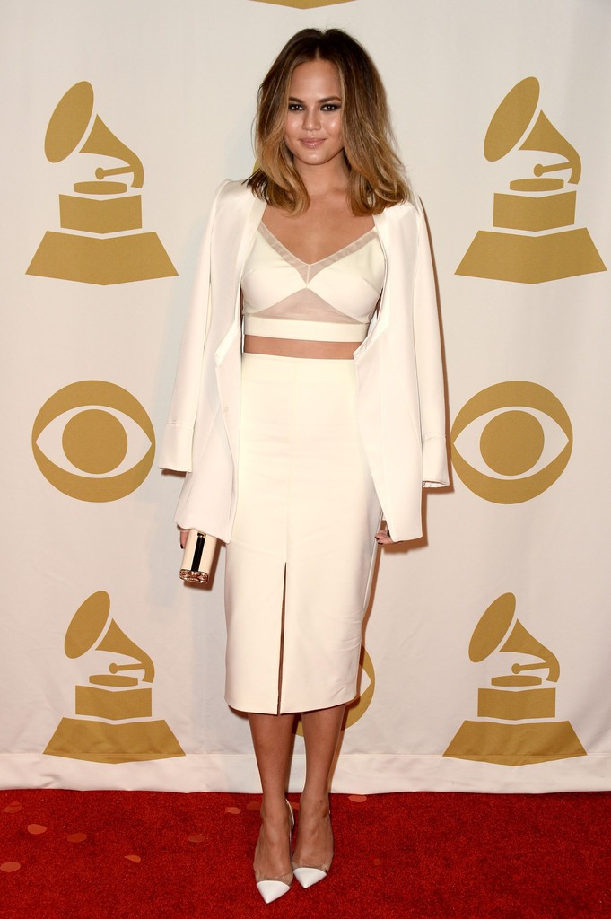 chrissy tiegen grammy white dress