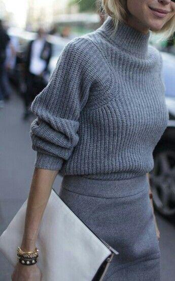 sweatermono